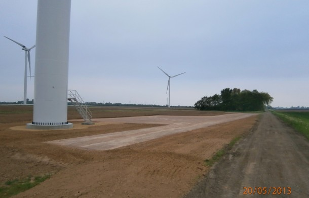 The-Grange-Wind-Farm-completed-610x391